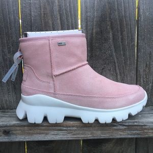 UGG Palomar Womens Sneaker Boots 7.5 Pink shoes